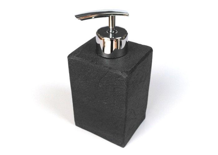 Accessori in pietra nera splendida proposta da bagno a for Arredo bagno mestre