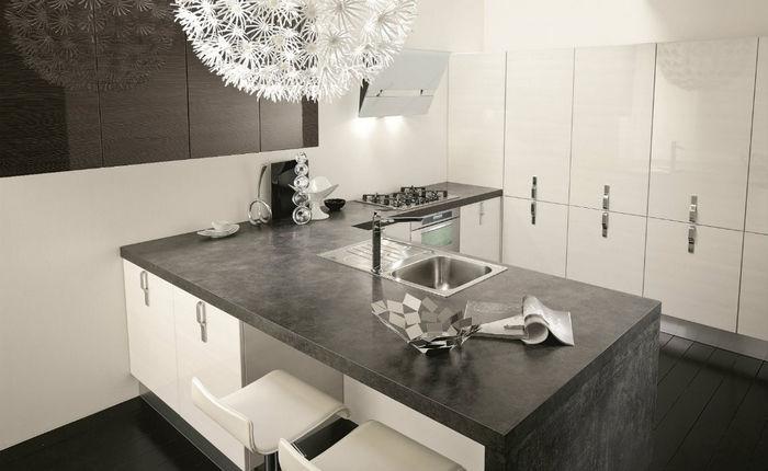 Cucina moderna flash da quellidicasa a chirignago mestre for Cucine moderne scure
