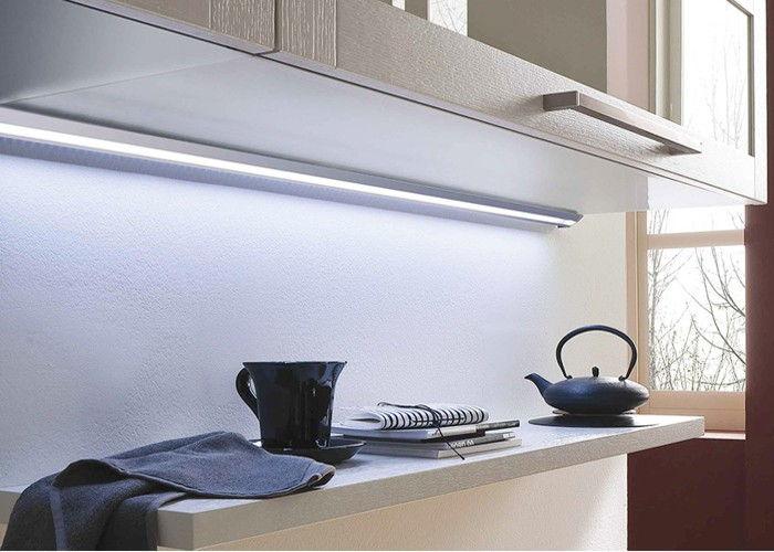 Cucine moderne con arredo finiture e impianti 1000 euro for Luci arredo