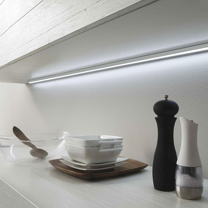 Scegliere luci led per mobili da cucina a mestre venezia anche su misura - Luci di emergenza per casa ...