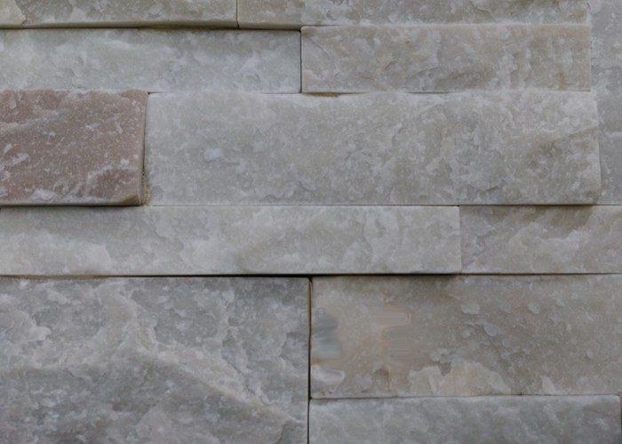 Pietra bianca per rivestire pareti e muretti rendiamoli for Disegni di case in pietra calcarea