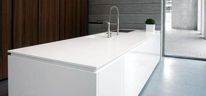 Best corian top cucina ideas for Piani cucina materiali