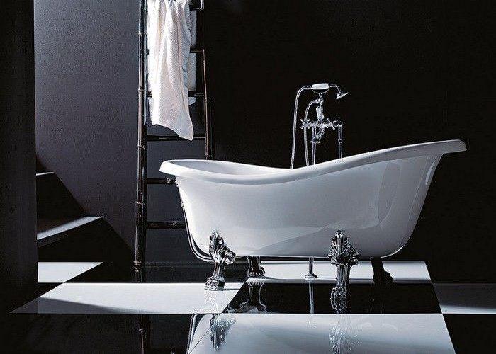 Vasca con piedini forse non solo in bagni classici a - Vasca da bagno piedini ...