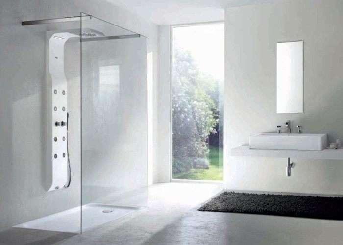 Vasca doccia sostituisci o trasforma la vasca da bagno - Doccia con finestra dentro ...
