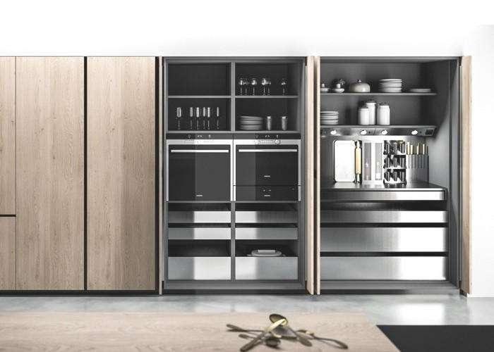 Colonna cucina con ante a scomparsa vantaggi - Riverniciare ante cucina ...